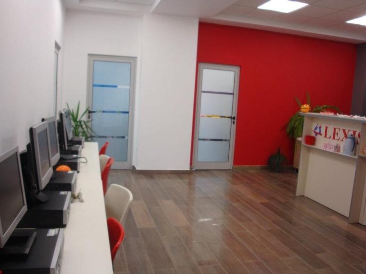 Lexis Pitesti new location (the reception). o you like it?