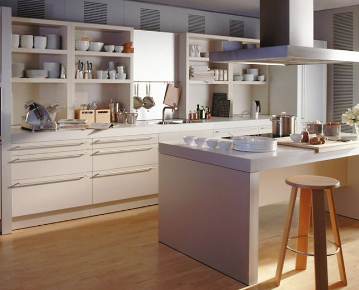 Küche in frischem Blauweiß | Kitchen layouts, Design and Kitchens