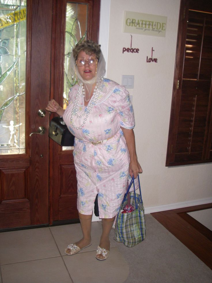 1000+ ideas about Old Lady Costume on Pinterest | Ladies Costumes ...