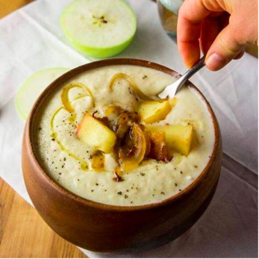 芯からしっかり温めて代謝UP!心身ともに安らぐ「野菜たっぷりスープ」レシピ3選 ・カリフラワーとパースニップのスープ ・バターナッツカボチャとココナッツのタイカレースープ ・さつまいもとほうれん草のピーナッツ・シチュー