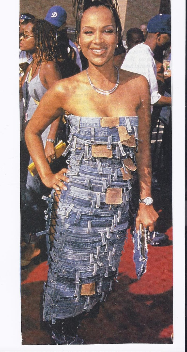 How many Levi jean waist bands were needed to construct this strapless dress?