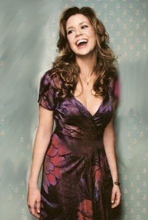 Jenna Fischer is gorgeous!!