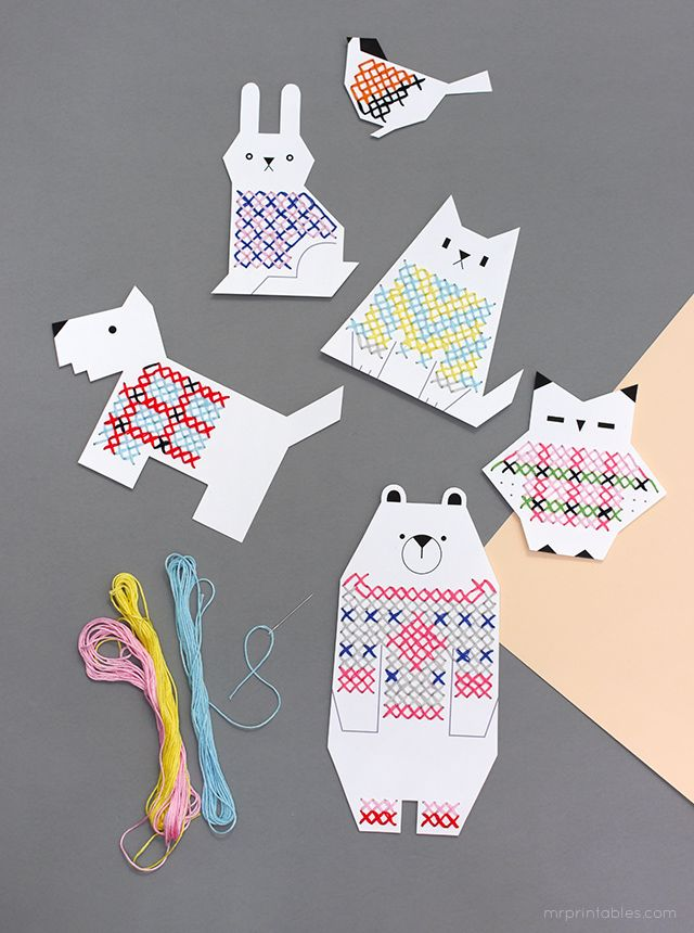 Tarjetas imprimibles para punto de cruz para peques >> Animal Jumpers Cross Stitch Cards for Kids / free templates at Mr Printables