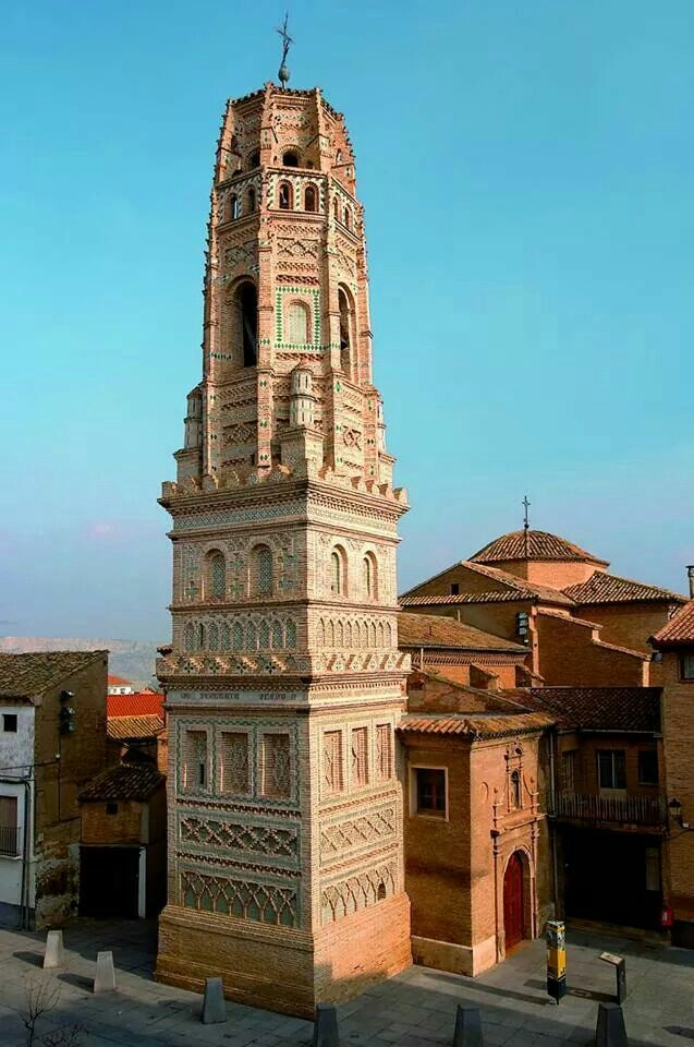 Torre mudejar en Utebo, Zaragoza, Aragón, España