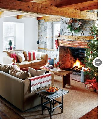 .Cozy Living Room, Living Rooms, Exposed Beams, Small Places, Cottages Christmas, Rustic Christmas, Style At Home, Wood Beams, Cozy Christmas