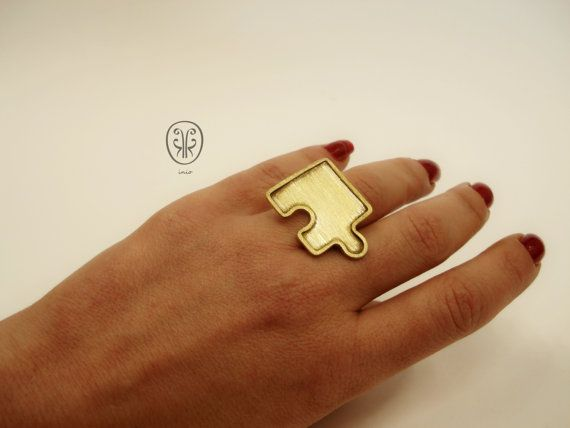 Unique puzzle ring