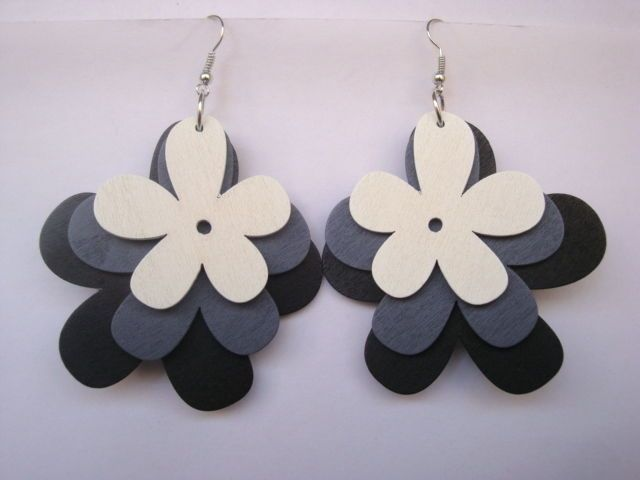 Lady Mixed Black Gray & White Wooden Dangle Flower Earrings Drop Dangle Earrings #Congyang #DropDangle