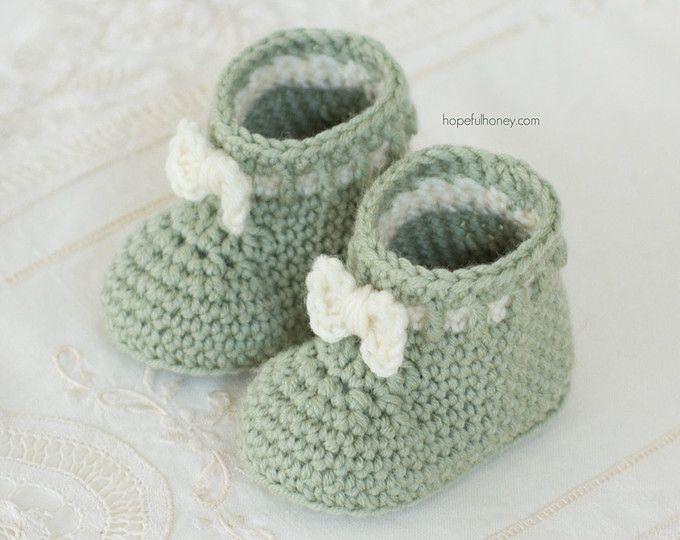CROCHET PATTERN - Mint Macaroon Baby Booties