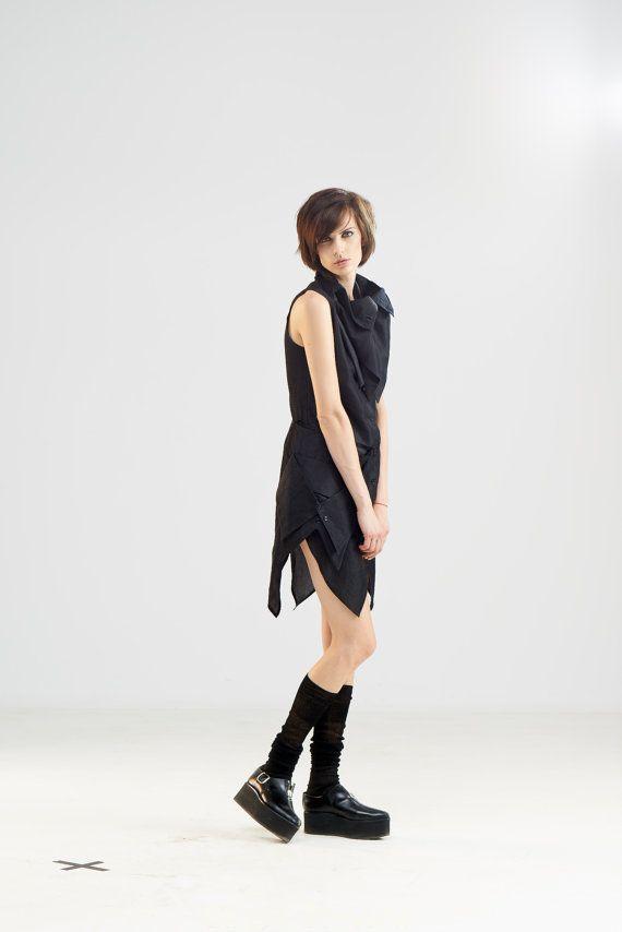 Chemise noire asymétrique chemise à col Top par MariaQueenMaria