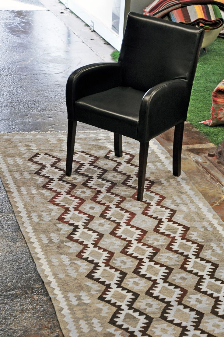 http://sourcemondial.co.nz/rugs/kilims-flatweaves/natural-kilims/