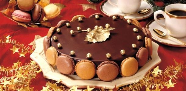 Božićni kolačiDesserts Time, Cake Recipe, Food Cake, Glamorous Desserts, Mousse Macarons, Macarons Cake, Cake Cake, Chocolates Mousse, Dima Sharif
