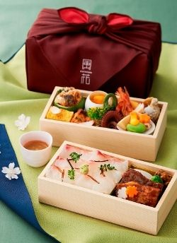 思わずお花見したくなるようなお弁当 Hanami Sakura Flower Viewing Bento Box from CONRAD TOKYO|コンラッド東京の1日5個限定 お花見弁当