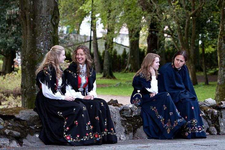 Norwegian Bunad Stavanger   Bunad – A Norwegian folk costume. It differs in pattern and colour ...