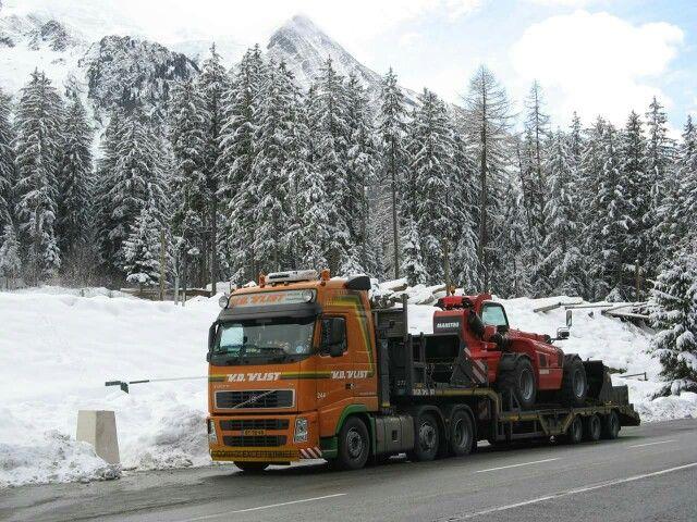 Volvo FH. Speciaaltransport. Zw.trantsport. verreiken.