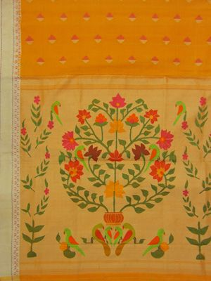 Paithani Saree flower plant design