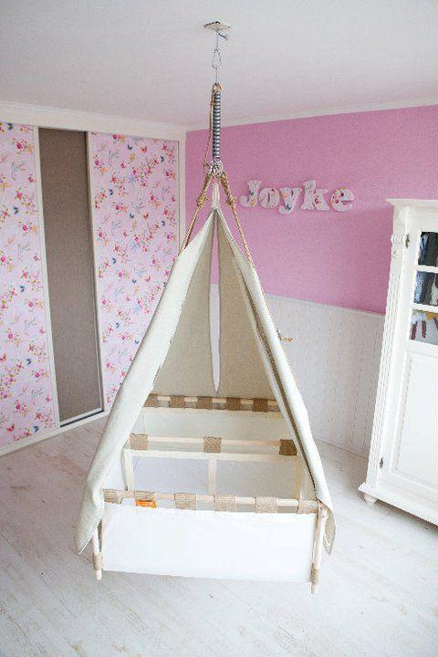 ber ideen zu hanging bassinet auf pinterest. Black Bedroom Furniture Sets. Home Design Ideas