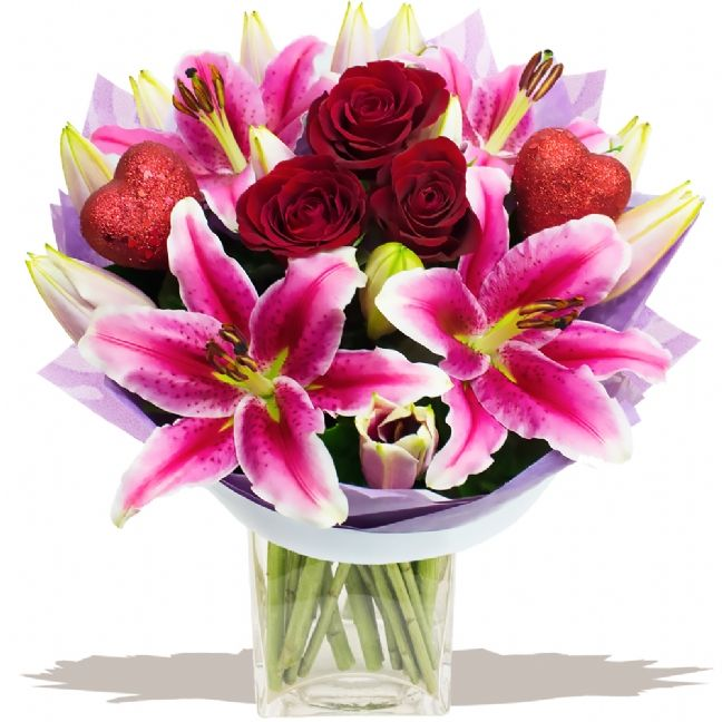 Sweetheart bouquet of Valentine's Day Flowers:-   Delivery Available UK Wide Delivering 7 -15 February FREE Gift Card & Message £10 OFF Ordering Online