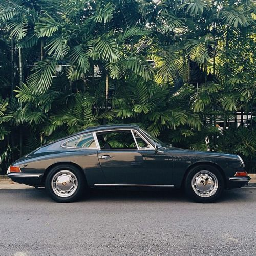 Porsche 911 2.0 F Modell (1968) – #FModell #Pavillon #Porsche   – Cars and motorcycles