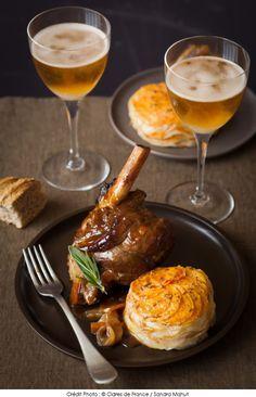 Souris d'agneau braisée au cidre et confite aux épices, et son tian de pommes de terre et patates douce