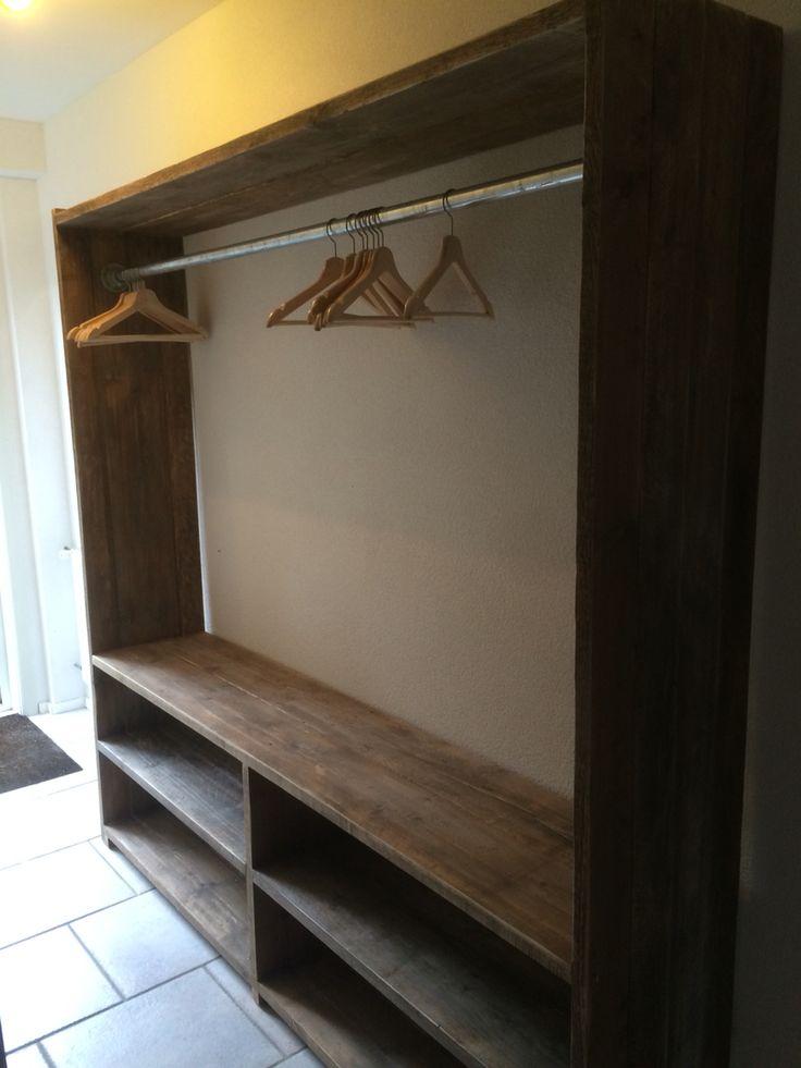 Kapstok van oude planken  www. bruinbouw.nl