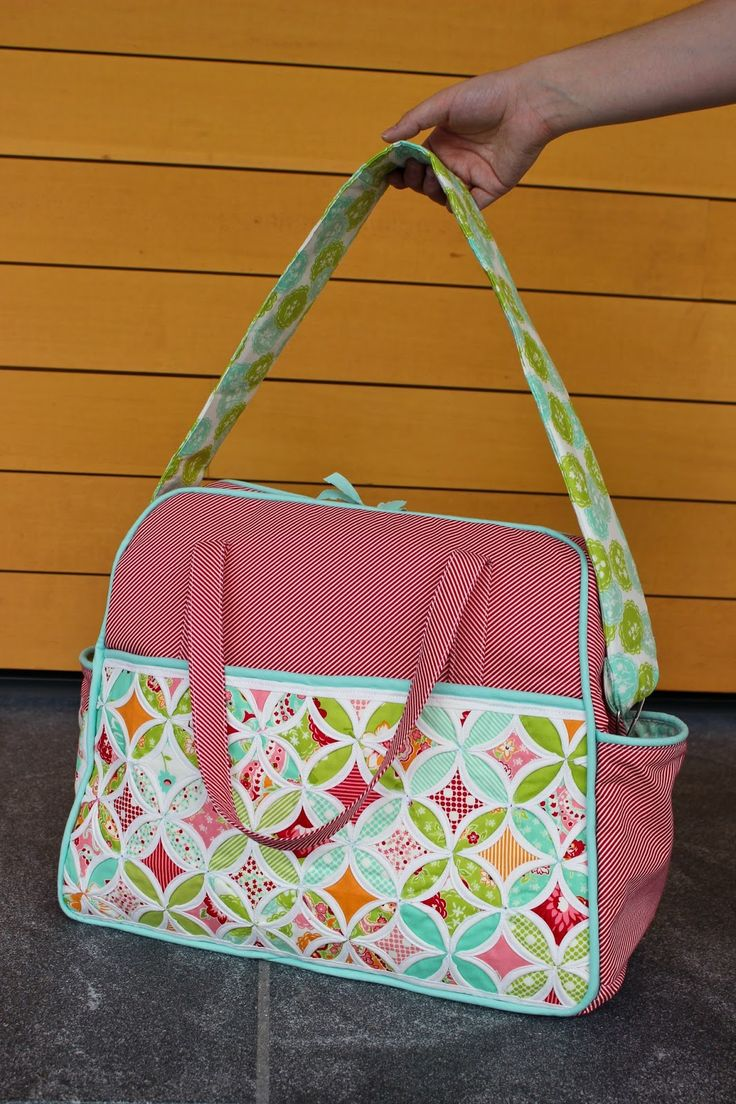 Sew In Love Quilting: Sewvivor Challenge #2 - Quilted Bag - OMG what a beautiful Amanda Weekender , I must pin that for inspire