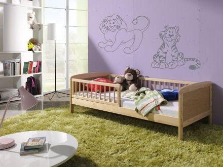 Přírodní odstín borovicového dřeva podtrhne čistotu a eleganci dětského pokoje, aniž by se o to usilovně snažil. https://www.banaby.cz/detske-postele/detske-postele-se-zabranou/p/detska-postel-junior-prirodni-160x70cm/