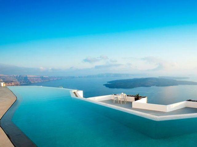 Piscine hotel perivolas grece