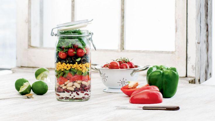 Salade mexico minute    Zeste #zeste #recetteszeste #food #cooking #zestetv #chefszeste #magazine #chefs #salad #mexico #minute #easy #quick #jar #healthy #greens