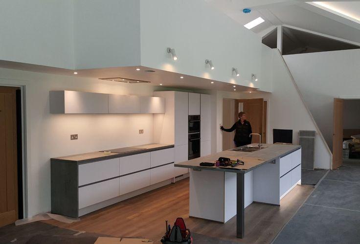 Contemporary Kitchen 02