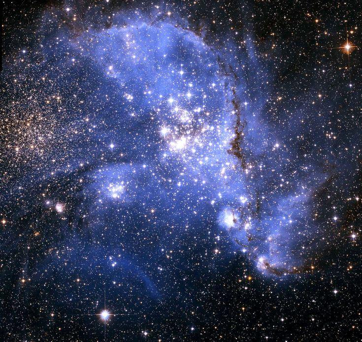 Galaxias | Imagem: esplêndidas vistas tomadas pelo Hubble, da estrela cluster ...