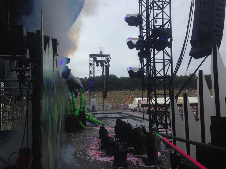 Technical set up for Mainstage ..the waterfalls were stunning..