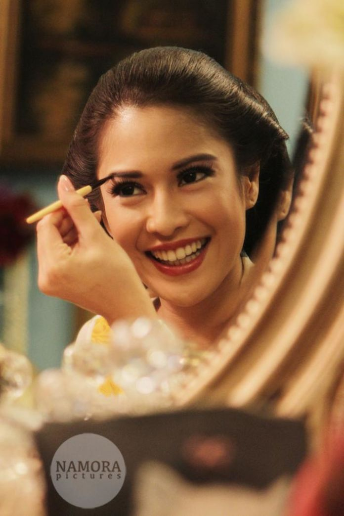 Traditional wedding make up ideas | Dian Sastrowardoyo & Indraguna Soetowo by NAMORA PICTURES | http://www.bridestory.com/namora-pictures/projects/dian-sastrowardoyo-indraguna-soetowo