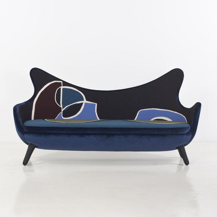 vincent darr guillotin sofa conversation velour de soie bleu pierre frey et tapisserie. Black Bedroom Furniture Sets. Home Design Ideas