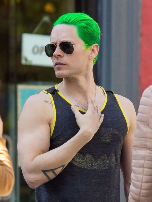 Jared Leto wearing BATMAN. Love this sooooo much! Viva la Bat!