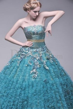 Ooohh. Ahhh. :): Green Ball, Ball Gowns, Gowns Quinceanera, Dresses Design, Hunters Green, Hunter Green, Gowns Silhouette, Ruched Skirts, Quinceanera Dresses