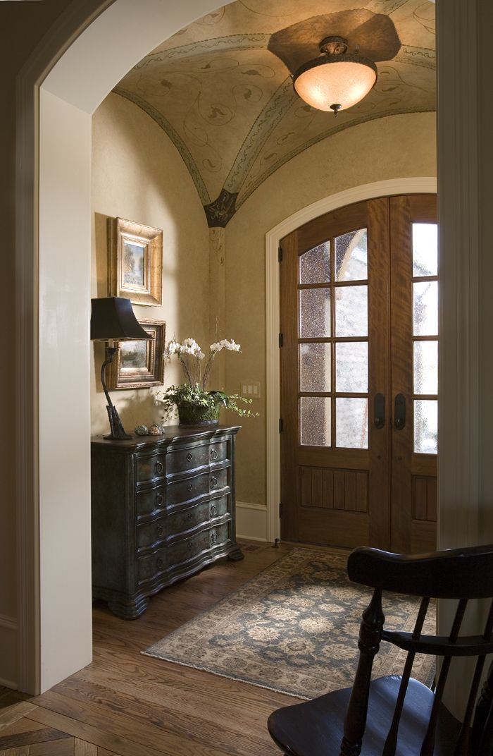 Small but exquisite foyer with vaulted ceiling Josie this is very nice, note the doors and the fixture