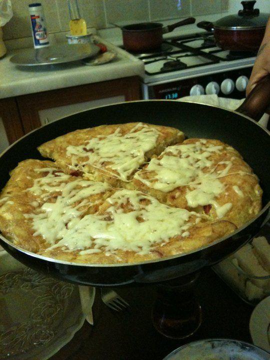 kaşarlı patatesli omletimiz............................