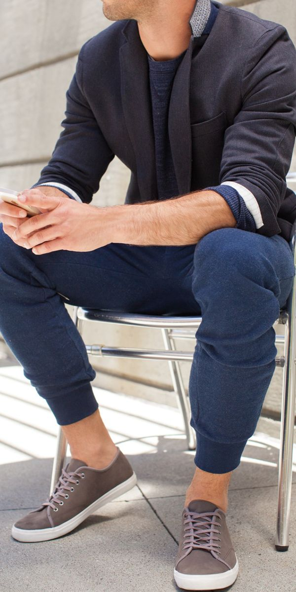 How to perfect casual cool: pair knit pants + a structured blazer | Banana Republic