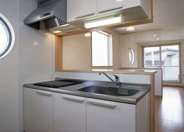 パナソニック耐震住宅工法テクノストラクチャーで建設されたアパート:キッチン