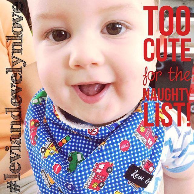 Too darn cute #thatface #leviandevelyn #leviandevelynlove #bandanabib