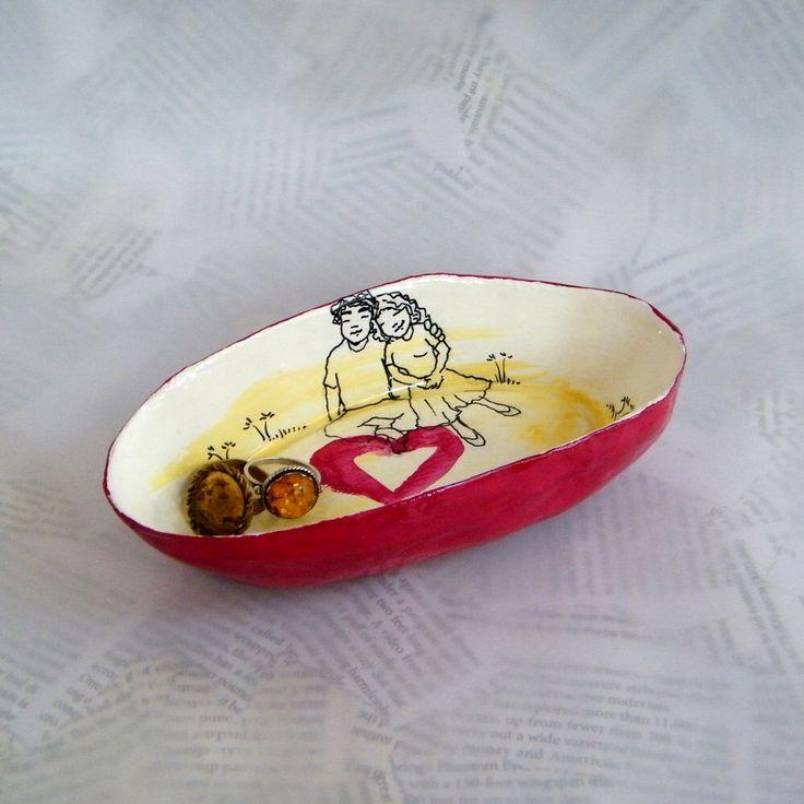 Piatto anello / vassoio gingillo / carta ciotola / chiave piatto / archiviazione Eco Chic / Cat arredamento / regalo di San Valentino / sposa di essere dono / amore / archiviazione di RecycoolArt su Etsy https://www.etsy.com/it/listing/216192994/piatto-anello-vassoio-gingillo-carta