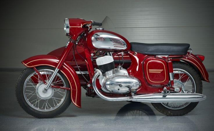 Всемирному Дню мотоциклиста посвящается. Мотоциклы для граждан СССР играли очень важную роль....