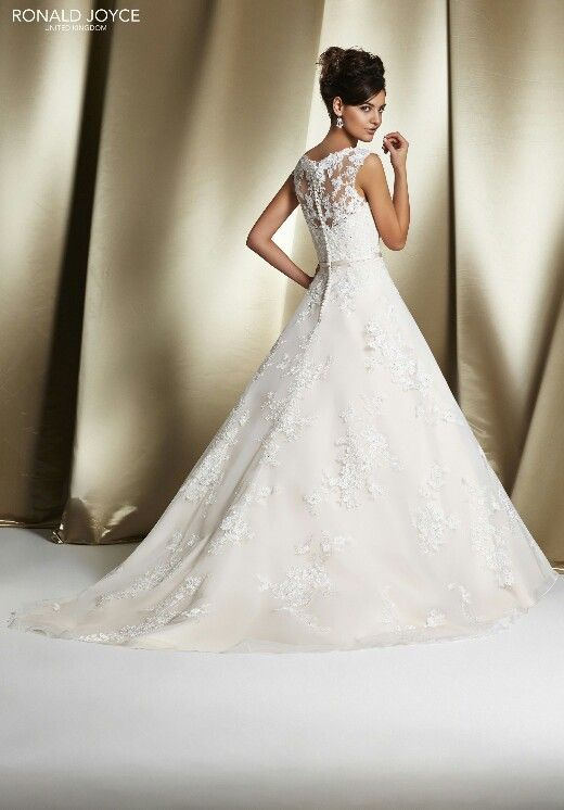 Find Your Dream Ronald Joyce Wedding Dress At The Bridal Factory Outlet Northallerton We Have A Huge Range Of Dresses For You To Try Buy