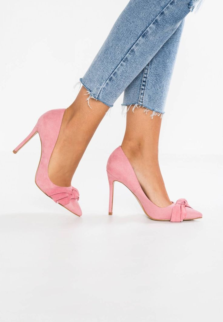 """River Island. Classic heels - pink. Pattern:plain. Care instructions:treat with a suitable protector before wear. Sole:synthetics. heel height:3.5 """" (Size 4). Padding type:Cold padding. Shoe tip:pointed. Heel type:stiletto. Lining:te..."""