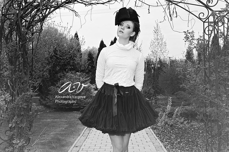 elegant icon black pettiskirt AUDREY HEPBURN