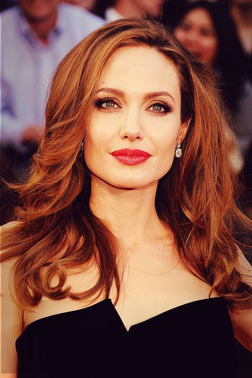 Angelina Jolie at the Oscars, 2012. The makeup is classic old Hollywood glamour! Another red lip winner! #redcarpet She looks unbelievable