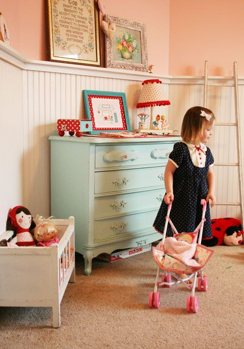 Beautiful girl's room: Colour, Sweet Rooms, Nurseries, Dressers Colors, Beadboard, Pink Dressers Kids Rooms, Girls Rooms, Blue Dressers
