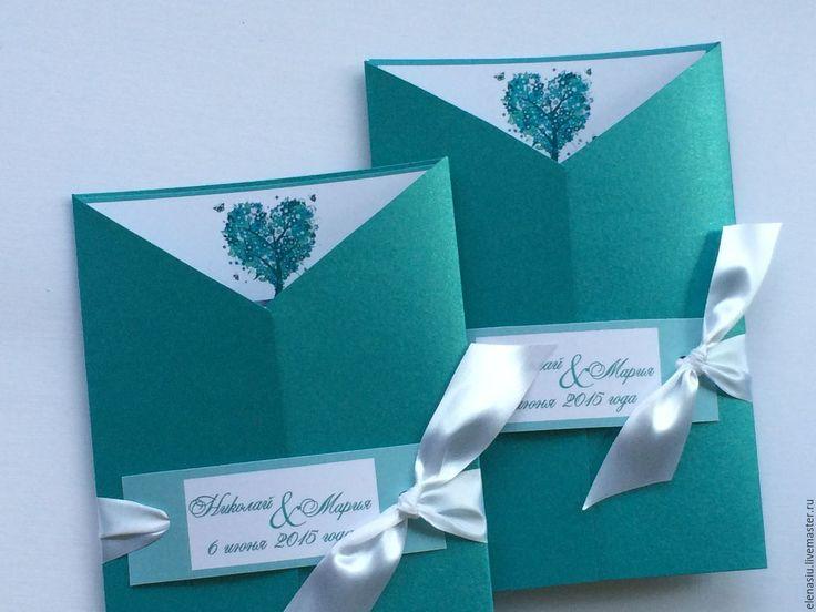 Купить или заказать Бирюзовые приглашения на свадьбу 'Дерево любви' в интернет-магазине на Ярмарке Мастеров. Приглашения на свадьбу в насыщенно-бирюзовом цвете, из перламутровой бумаги . Приглашение перевязано лентой с бирочкой с вашими именами. Макет вашего текста - бесплатно , Персонализация +10р. _________ Возможно сделать все свадебные аксессуары в этом стиле - в серебристых тонах.. - более 500 других аксессуаров - по ссылке www.livemaster.ru/elenasiu А также комплексное офор...