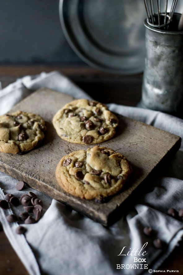 Chewy, soft Chocolate Chip Cookies ~Little Box Brownie
