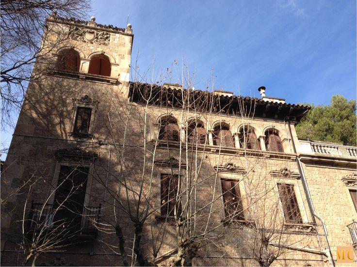Carrer Muntaner, 282 Finca J. Muñoz Ramonet http://unmundocultura.blogspot.com.es/2015/02/de-paseo-por-barcelona-finca-j-munoz.html#.VOrWEvmG9TA